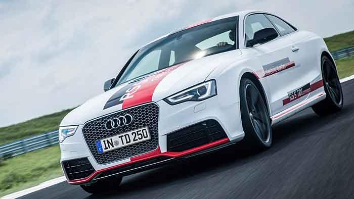 Audi hat dem RS5 TDI Concept einen dritten Turbo vorgeschaltet.