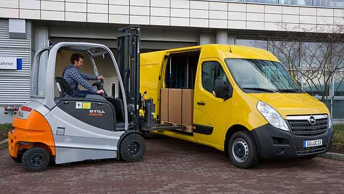 Beim Opel Movano stehen fünf Motoren zur Auswahl.