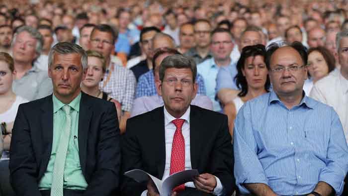 Ford-Geschäftsführer Bernhard Mattes auf der Betriebsversammlung.