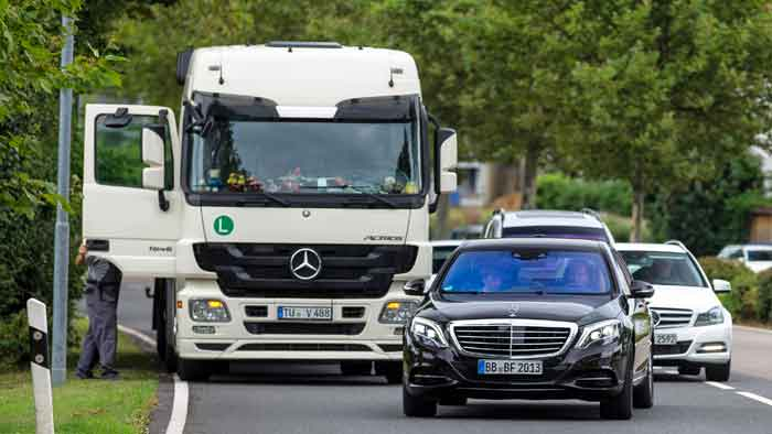 2013 war der Mercedes S 500 Intelligent Drive 100 Kilometer autonom unterwegs.
