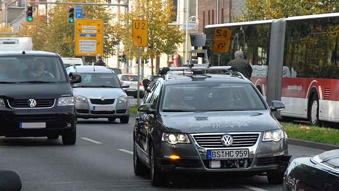 2010 schickte VW den Passat Leonie durch Braunschweig.