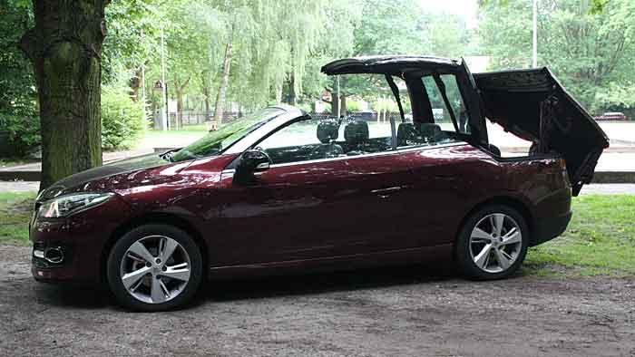 Der Renault Megane CC hat die neue Designlinie erhalten.