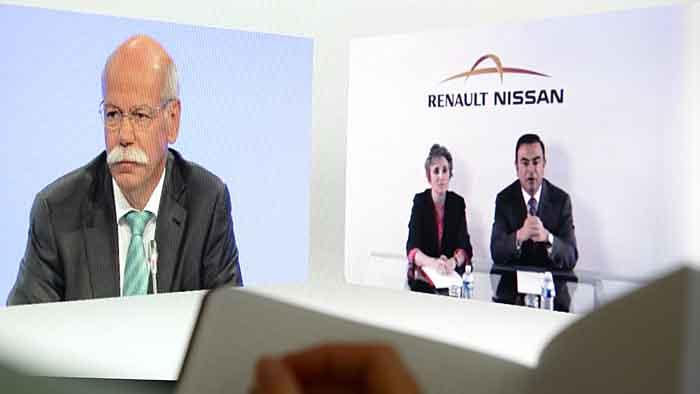 Dieter Zetsche (l.) und Carlos Ghosn bei der Video-Konferenz.