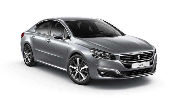Der Peugeot 508 hat eine neue Front erhalten.