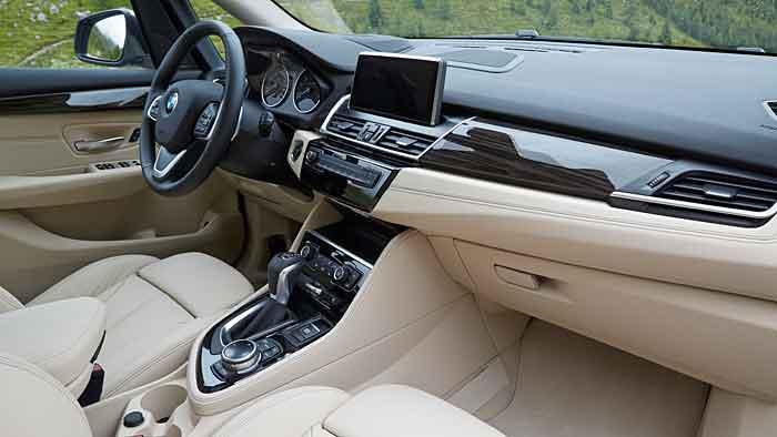 BMW feiert mit dem 2er Active Tourer Premiere nicht nur mit einem Frontantrieb.
