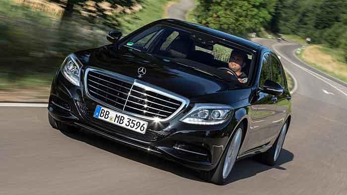 Der Mercedes S 500 Plugin-Hybrid soll sich mit 2,8 Litern begnügen.
