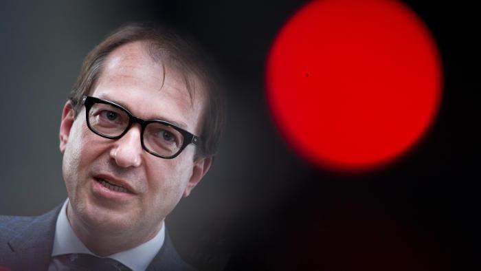 Deutsche unzufrieden mit Aufklärung von Dobrindt