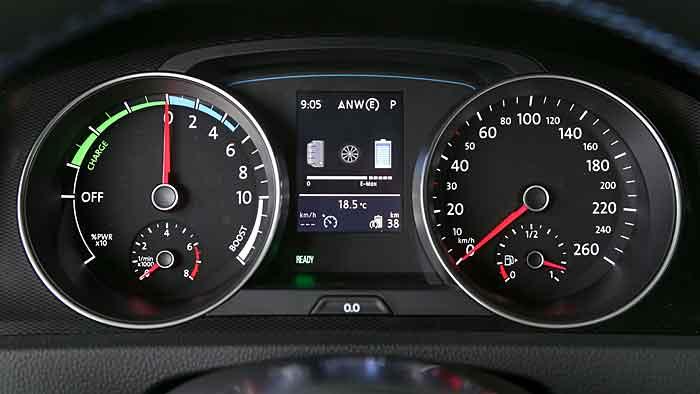 Der VW Golf GTE greift auf eine Systemleistung von 204 PS zurück.