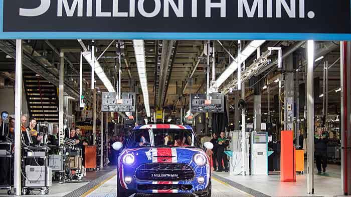 Der dreimillionste Mini ist in Oxford vom Band gelaufen.