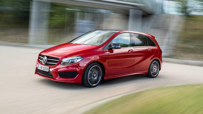 Die neue Mercedes B-Klasse wird in Paris gezeigt.