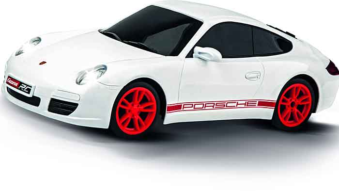 Der Porsche 911 von Carrera RC ist bis zu 20 km/h schnell.