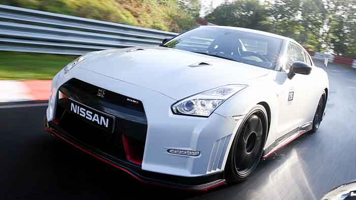 Der Nissan GT-R Nismo erreicht nach 2,7 Sekunden Tempo 100.