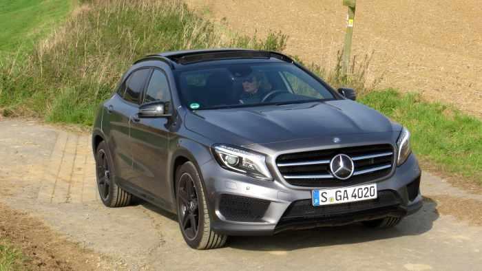 Der Mercedes GLA gefällt auch außerhalb der Stadt.