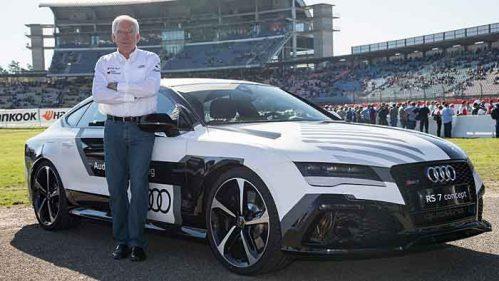 Audi-Entwicklungschef Ulrich Hackenberg mit einem RS7.