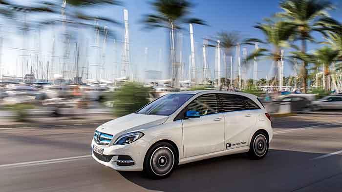 Die Mercedes-Bank schnürt ein Paket für die elektrische B-Klasse.
