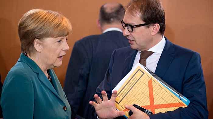 Angela Merkel und Alexander Dobrindt stehen in der Kritik