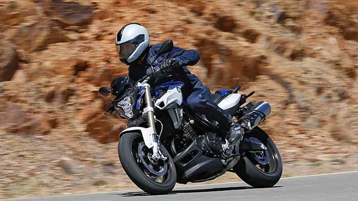 BMW Motorrad hat die F 800 R zur neuen Saison modifiziert.