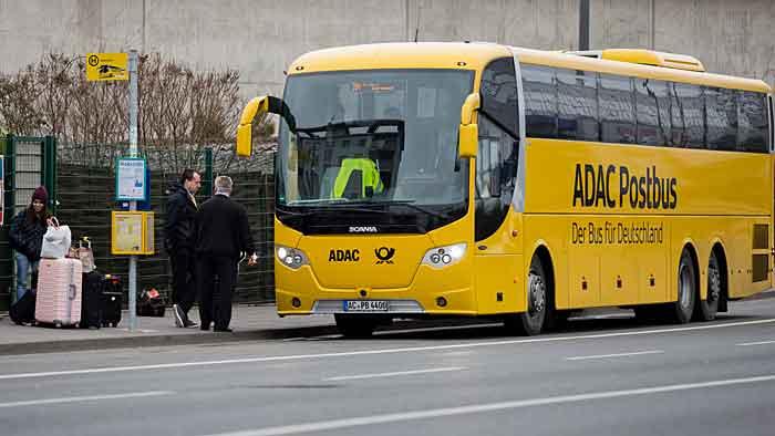 Der ADAC zieht sich noch im November aus dem Fernbus-Geschäft zurück