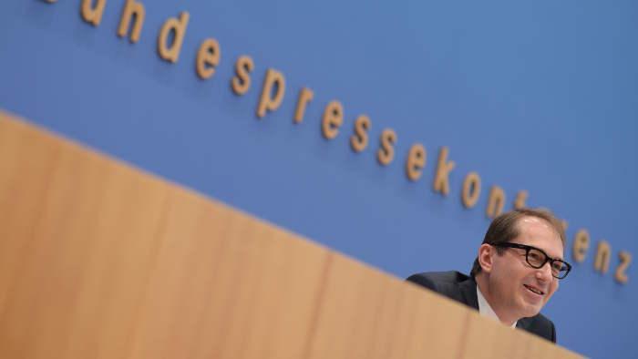Bundesverkehrsminister Alexander Dobrindt steht in der Kritik.