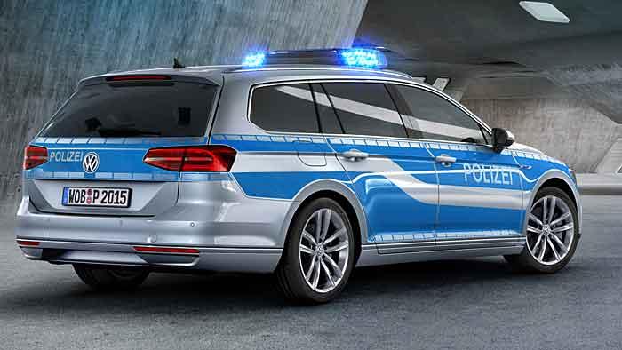 Die Polizei ist im neuen VW Passat GTE sparsam unterwegs.