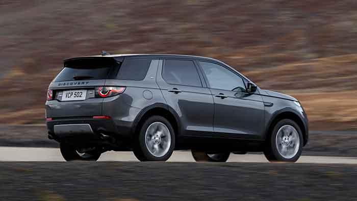 Der Land Rover Discovery Sport erhält die neue Motorengeneration.