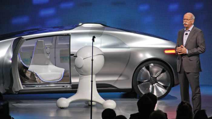 Dieter Zetsche präsentierte den Mercedes F 015 Luxury in Motion.