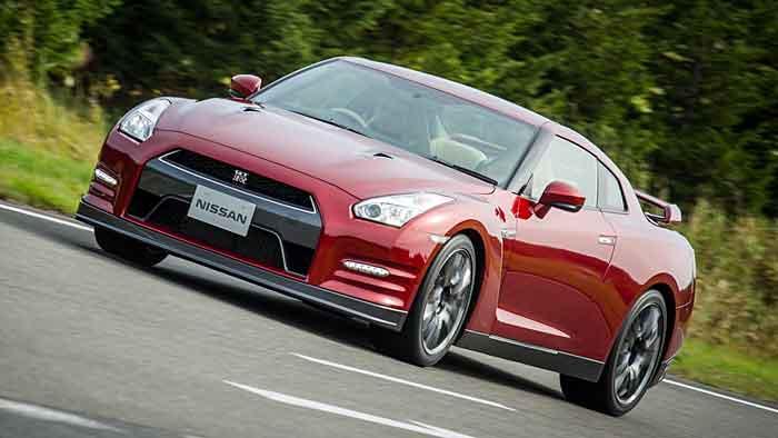 Nissan hat den GT-R besonders beim Fahrwerk überarbeitet.