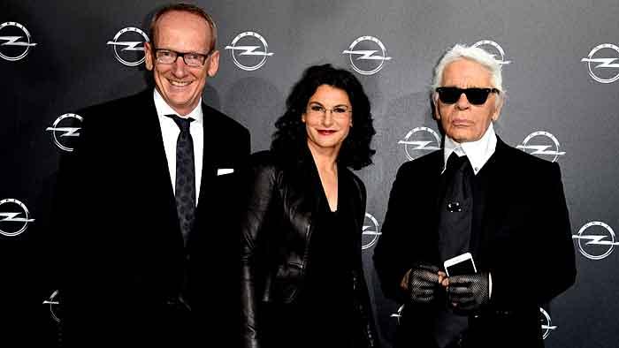 Opel-Chef Karl-Thomas Neumann, Marketing-Chefin Tina Müller und Karl Lagerfeld.