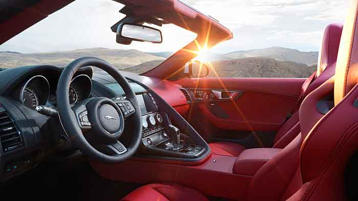 Jaguar hat dem F-Type Allradantrieb spendiert.