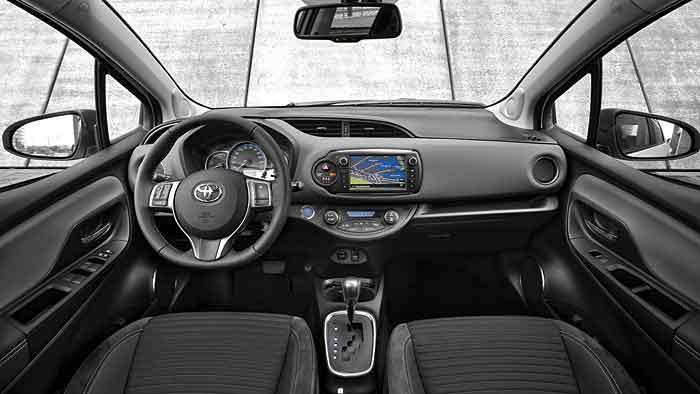 Der Toyota Yaris Hybrid soll sich mit 3,6 Litern Benzin zufrieden geben.