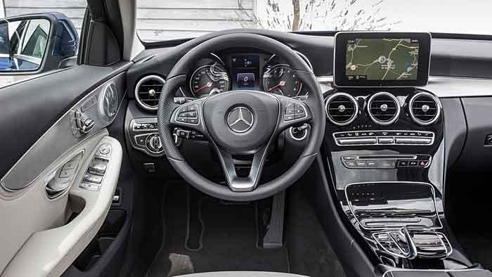 Das Mercedes C 250 T-Modell begibt sich in Richtung Oberklasse.