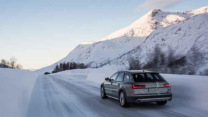 Der Audi A6 Allraod hat kaum Probleme auf Schnee und Eis.