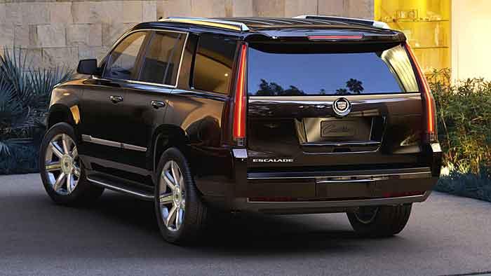 Der Cadillac Escalade bringt es bis auf eine Länge von 5,70 Metern.