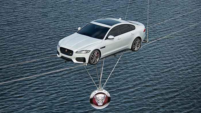 Drahtseilakt mit dem Jaguar XF