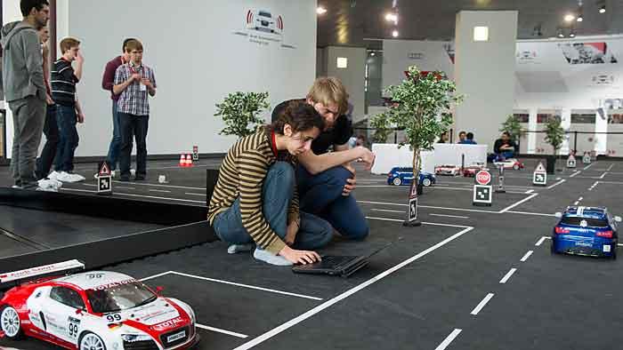 Zehn Teams haben das Finale des Audi Autonomous Driving Cup erreicht.