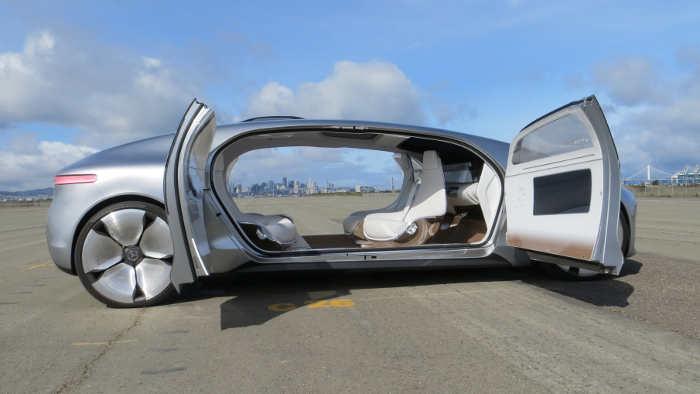 Der Mercedes F 015 - so sieht für Daimler die Zukunft aus.