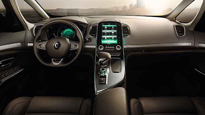 Renault hat den neuen Espace komplett neu konzipiert.