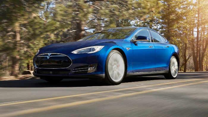 Tesla schließt Sicherheitslücken