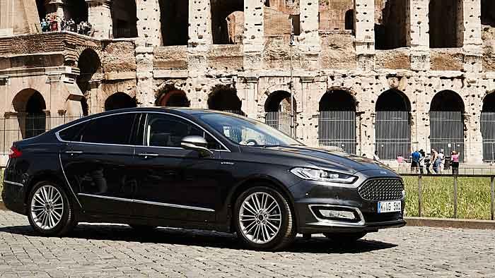 Der Ford Mondeo Vignale bildet die neue Spitze der Baureihe.