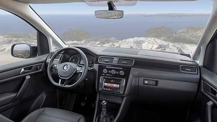 VW installiert neue Motoren und Fahrassistenten im neuen Caddy.