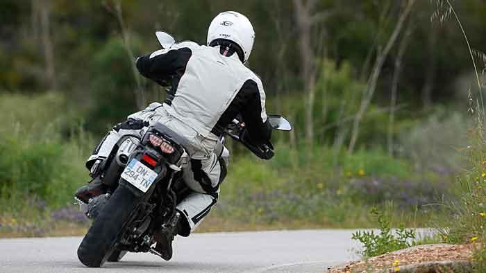 Yamaha hat die Super Ténéré handlicher gestaltet.