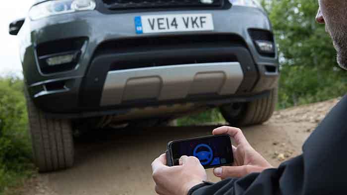 Der Range Rover Sport kann per Smartphone bedient werden.
