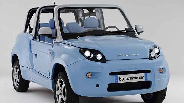 Der Bolloré Bluesummer schafft 120 km/h.