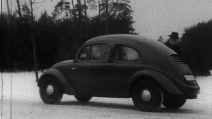 Der Porsche Typ 60 bei Testfahrten im Winter 1935/1936.
