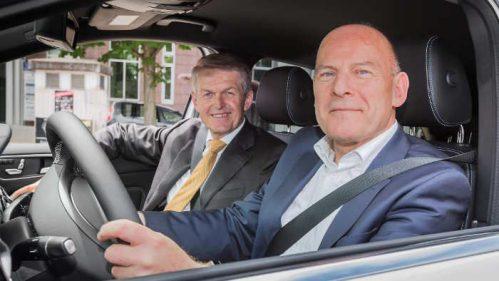 Winfried Hermann (r.) mit Ex-Daimler-Entwicklungschef Thomas Weber.