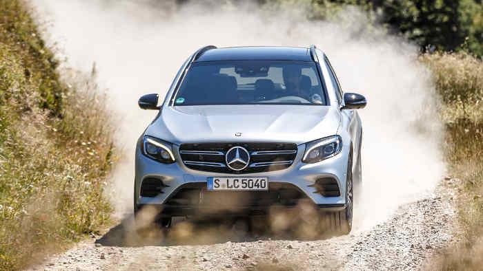 Der Mercedes GLC kommt wie alle SUVs bei den Kunden an.