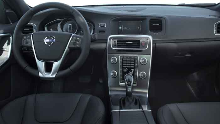 Das Cockpit des Volvo S60 Cross Country