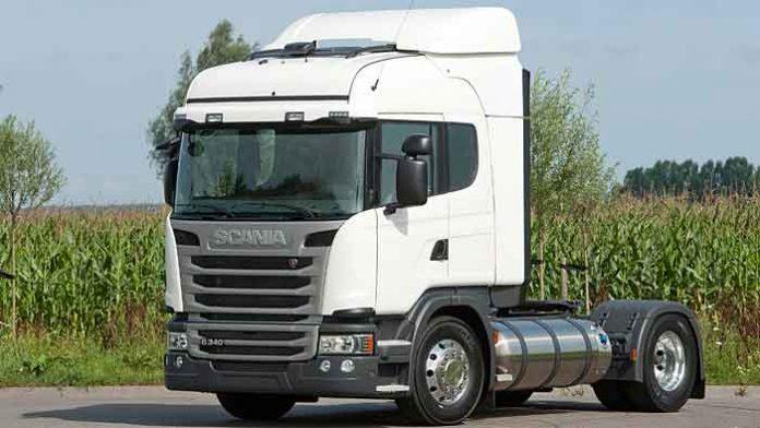 Der Scania P 340 fährt auch mit Erdgas