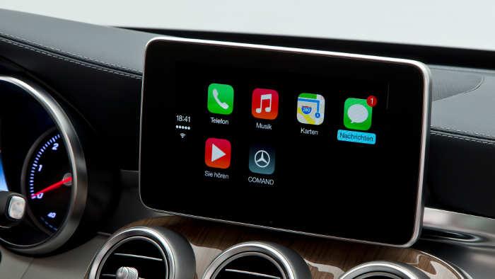 Infotainment-Systeme können den Fahrer ablenken.