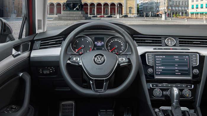 VW Passat Alltrack Cockpit